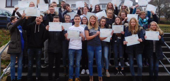 Einunddreißig Schüler(innen) des Gymnasiums Hermeskeil erfolgreich zum französischen Diplom