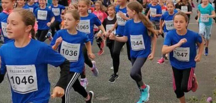 Jubiläumslauf für das Gymnasium Hermeskeil –  Zum 10. Mal startet das Gymnasium beim Hermeskeiler Radweglauf